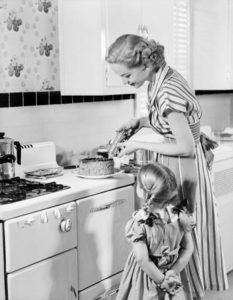 vintage housewife black and white